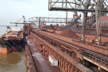 Agunsa se adjudica la operación del Puerto Siderar en Argentina